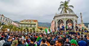 Historiens du monde : entretien avec Amar Mohand Amer, il revient sur les conditions de travail des historiens en Algérie aujourd'hui.