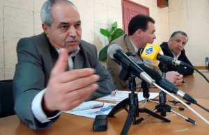 Algérie - Pour entamer les négociations Benbitour appelle le pouvoir et les manifestants à désigner leurs représentants