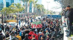 Alger (Football) - Mouloudia d'Alger: Impressionnant sit-in des supporters devant Sonatrach