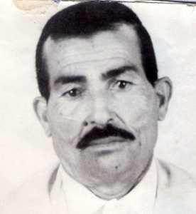 Hadj Mansour: Le coiffeur du village