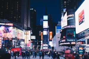 Publicité par panneaux d'affichage LED ou panneaux d'affichage traditionnels - Quelle est la meilleure solution ?