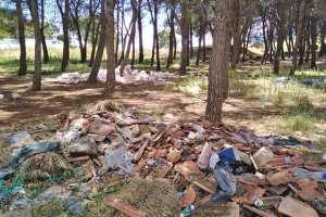 Souk-Ahras - CRIME CONTRE LA NATURE: Une décharge sauvage en face d'un hôpital