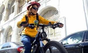 Algérie - Faïza: «Pour votre environnement, osez le vélo»
