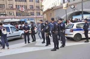 الجزائر تعيش حالة طوارئ غير معلنة