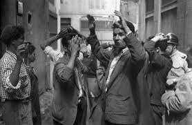 Algérie - Faits historiques. Cela s'est passé le 7 novembre 1957 à Constantine: Condamnation à mort d'Abderrahmene Benmeliek