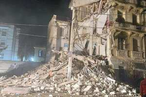 Oran - UN IMMEUBLE S'EFFONDRE PARTIELLEMENT: Le spectre du vieux bâti resurgit à nouveau