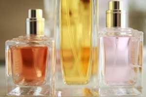 Comment Faire tenir son parfum toute la journée '