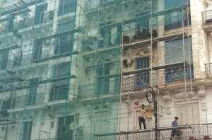 Tiaret - RÉNOVATION DES IMMEUBLES DU CENTRE-VILLE: La sécurité des ouvriers sur les chantiers soulevée