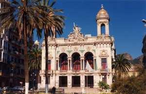 Le théâtre d'Oran reprend ses activités après une année d'arrêt