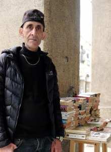 Skikda - Jalil Boudrouma. Unique bouquiniste de Skikda: «J'aime regarder les gens lire»