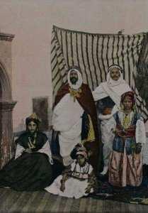 أصول بعض أسماء العائلات الجزائرية