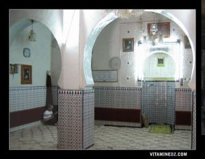 A l'intérieur de la mosquée Chorfa
