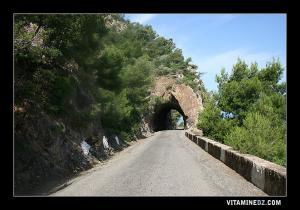 Routes sinueuses et f�eriques menant vers Beni Haoua