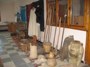 أدوات قديمة بالمكتبة العمومية لمدينة دراع قبيلة 29