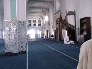 منظر داخلي لمسجد أبو بكر الصديق بمدينة تيسمسيلت