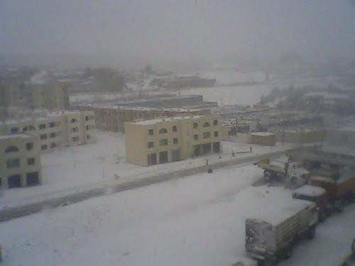 الثلوج تغطي مدينة