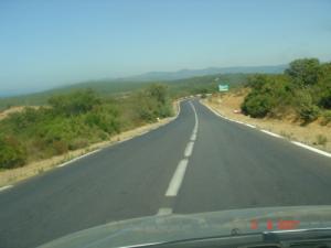 الطريق الرابط بين بلدية أم طبول و القالة