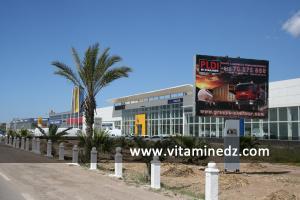 محلات جديدة لبيع السيارات من نوع رونو بمدينة وهران 2