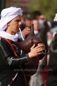 Cornemuse à la parade populaire de groupe folkloriques algériens aux cérémonies de clôture de Tlemcen capitale de la culture islamique 2011 (21/04/2012)