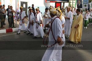 Danseurs de l\'a3laoui aux Festivités du cinquantenaire de l\'indépendance de l\'Algérie à Tlemcen, défilé, feux d\'artifices et fantasia au programme