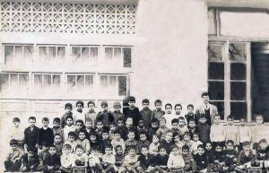 Classe primaire, 1965, école du haut Télémly, aujourd'hui El Kodss