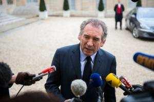 Planète - France: Bayrou il y a le feu à la maison , il faut une mobilisation nationale