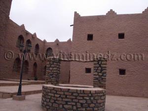 Moghrar Ettahtani ou Kalat Cheikh Bouamama, mosquée et demeure du Cheikh Bouamama rénovée photos Juillet 2005