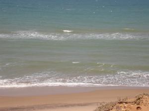 Sur la plage de Sekhra, Mostaganem