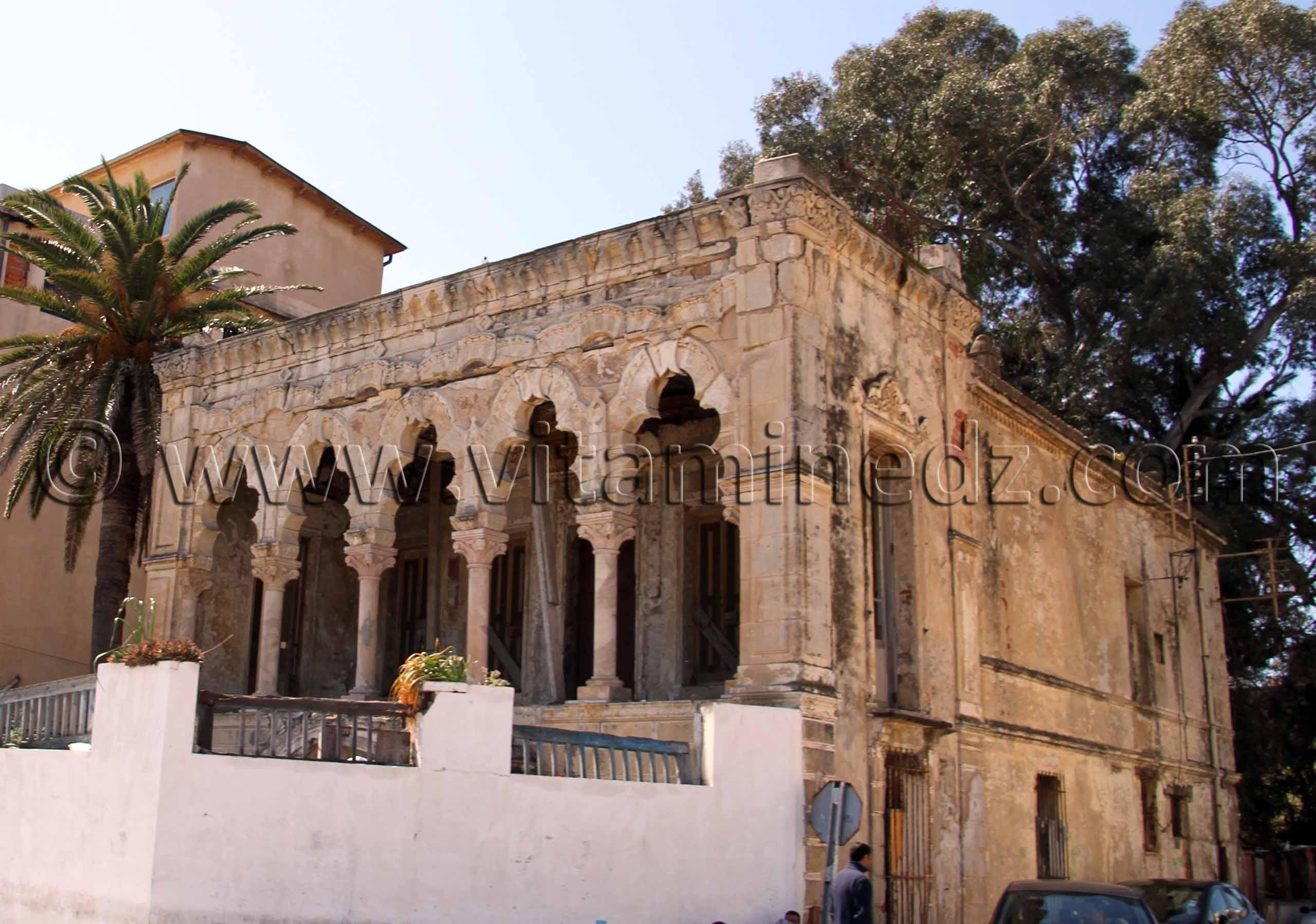 annaba bone maison en ruines d 39 un style arabo mauresque annaba. Black Bedroom Furniture Sets. Home Design Ideas
