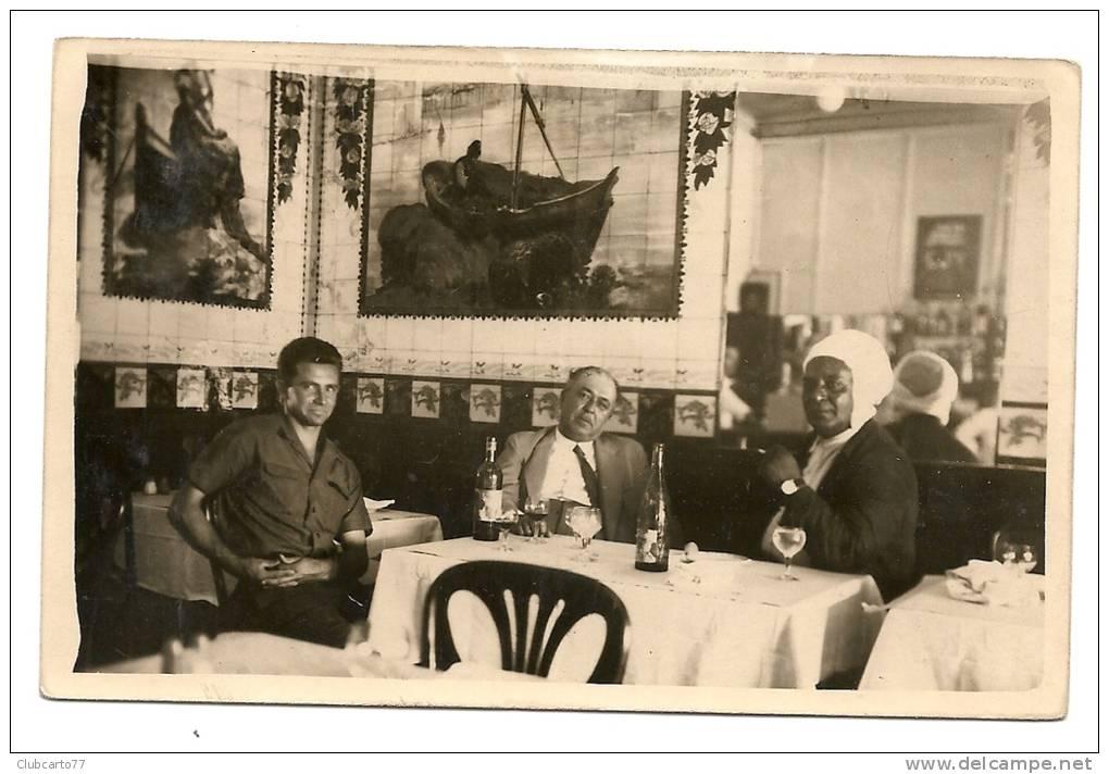 Alger (Algérie) Intérieur d\'un café de Bab-El-Oued en 1940 (animée ...