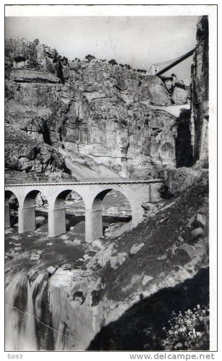 Alg rie villes constantine les cascades et le pont for Piscine sidi m cid constantine