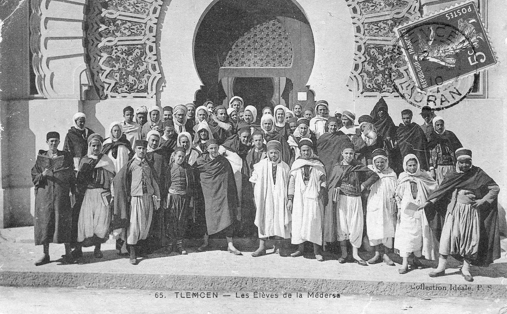 17224-tlemcen-les-eleves-de-la-medersa-1939.jpg