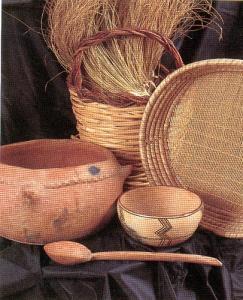هذه بعض الاواني التي تصنعها المراة الشاوية.