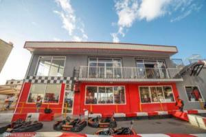 Parcs d 39 attraction centres de loisirs alger sports et for Aquafortland alger piscine