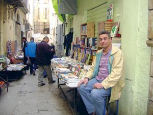 Abdelaziz Kerboua bouquiniste à Constantine: Livre passion