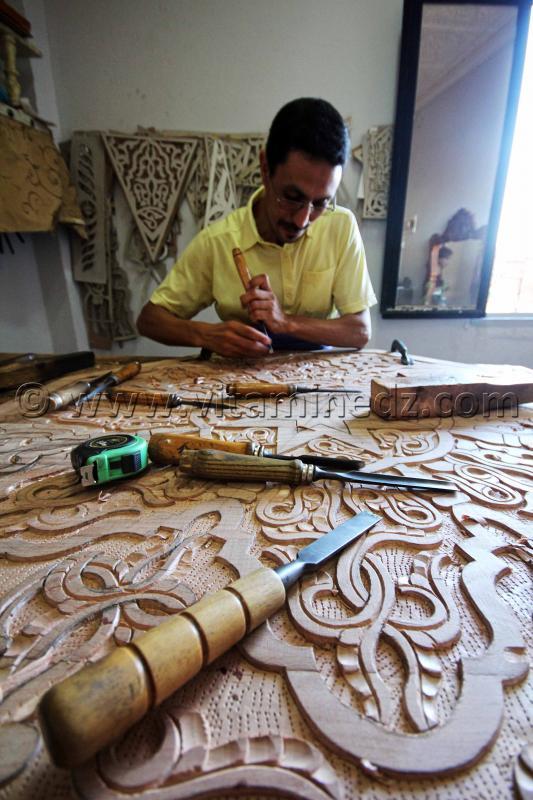 Sculpture sur bois - Tlemcen - Centre d'artisanat de Bab Zir