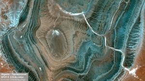 SPOT5 Satellite Image - Tamanrasset, Algeria Image satellite SPOT5, 2.5-m couleur - Tamanrasset, Algérie