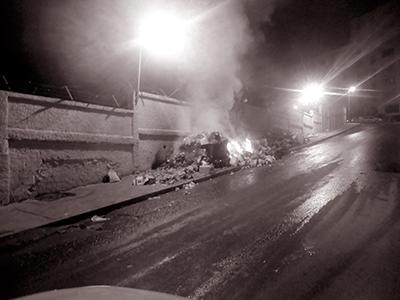 Alger - Le ramassage des ordures m�nag�res d�faillant: On br�le les d�tritus sur place!