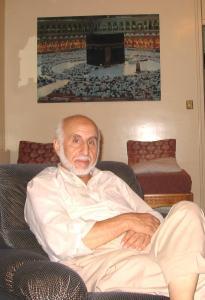 الحاج معروف عرايبي أحمد في بيته بالبليدة سنة 2005