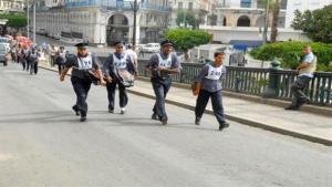 Fête des travailleurs: marche traditionnelle des facteurs d'Alger