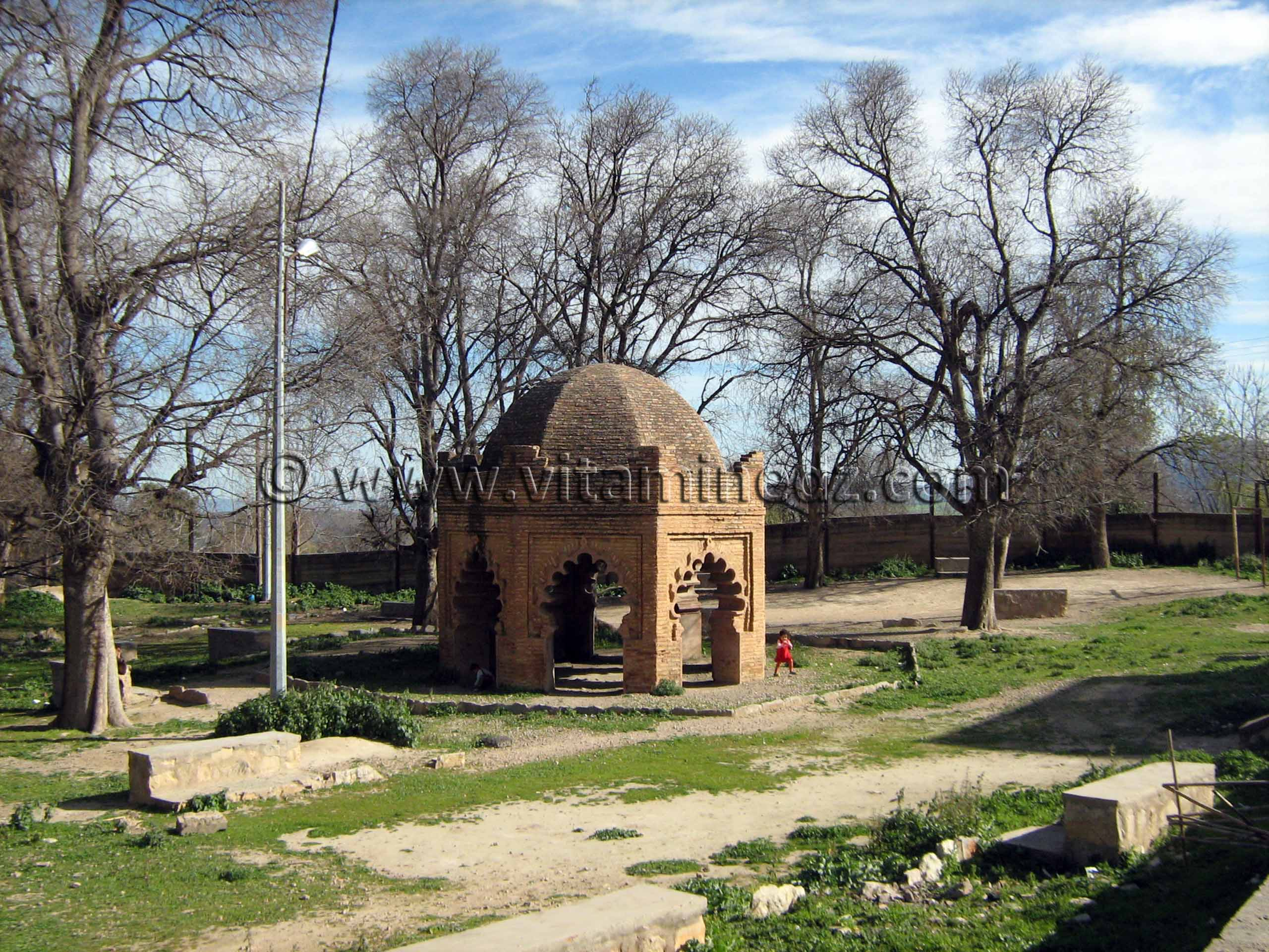 187229-photo-tlemcen-tombeau-de-la-princesse-lalla-mira.jpg