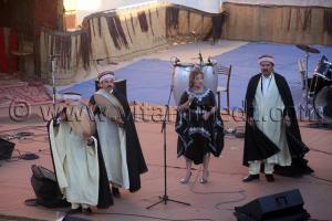 Chanteuse chaouie Festival de la musique Amazighe à Tamanrasset