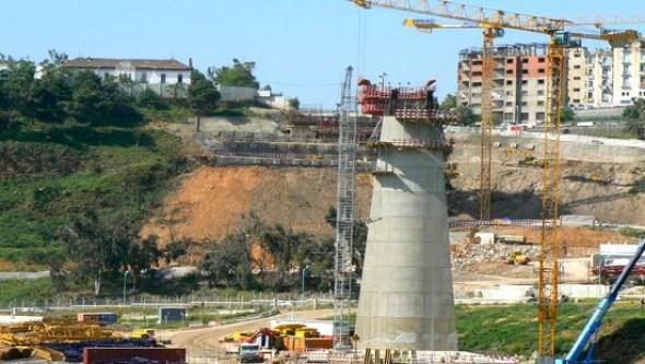 La construction du viaduc transrhumel de Constantine enti�rement achev�e (responsable)