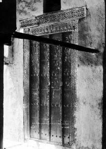 La porte de la mosquée de Sidi Okba