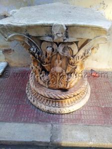 Pièce archéologique à la place de Cherchell (Caesarée)