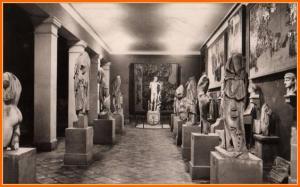 Musée de Cherchell. On perçoit au fond le fameux éphèbe