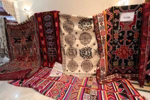 Tapis de Khenchela Salon National du Tapis à partir du 16 Novembre 2014 à Tlemcen