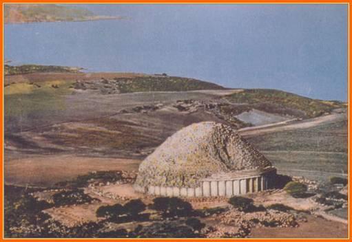 Vue a�rienne du tombeau royal de maur�tanie