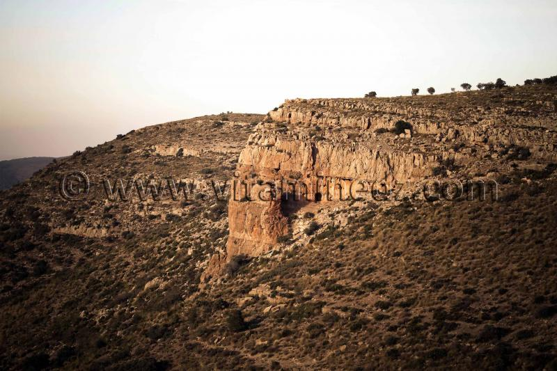 Et des grottes a Beni Add