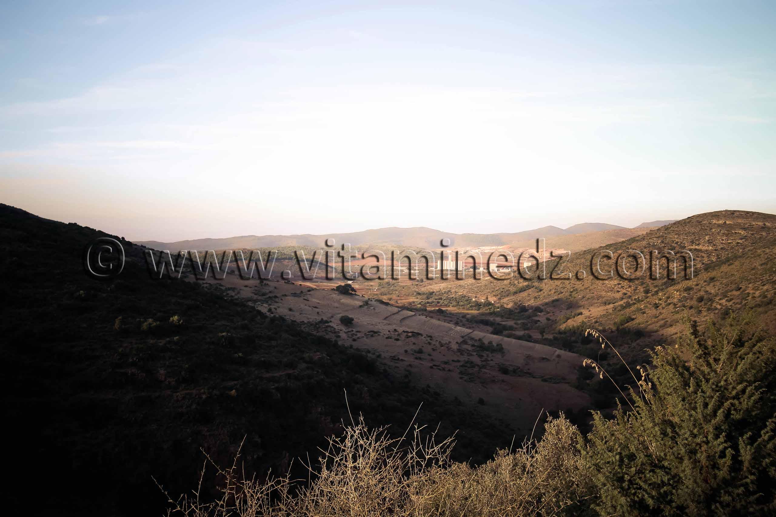 De Djbel des Beni Add vue sur Ain Fezza